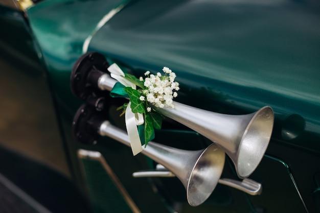 Buzina retro no carro buzina vintage prata