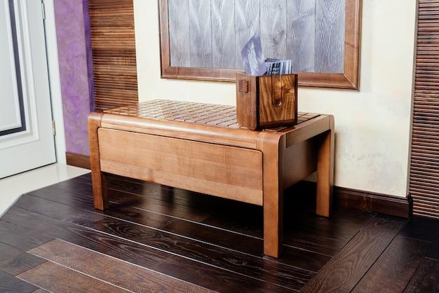 Cabeceira de madeira moderna para o design do corredor