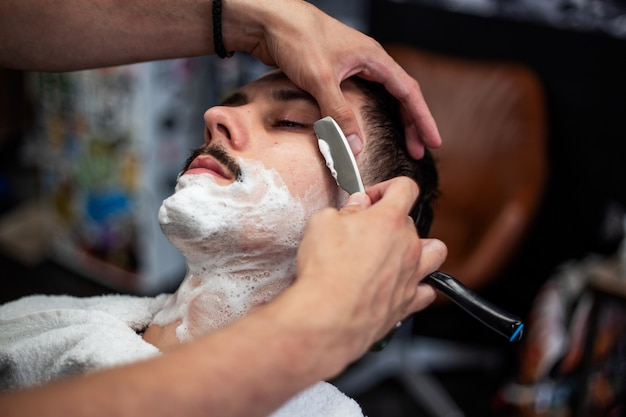 Cabeleireiro e salão de cabeleireiro