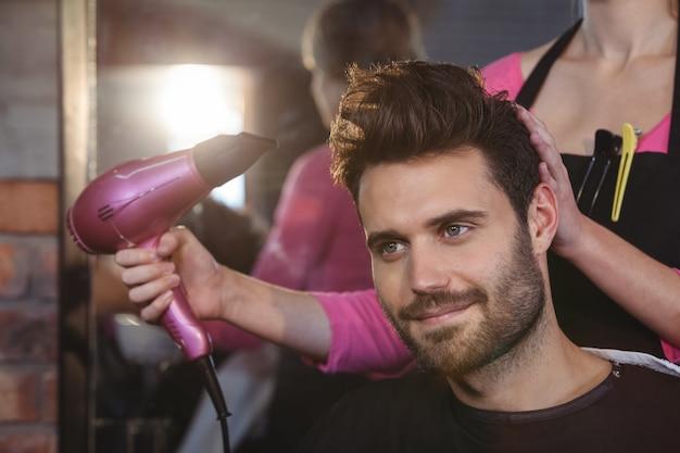 Cabeleireiro, estilo de cabelo de clientes