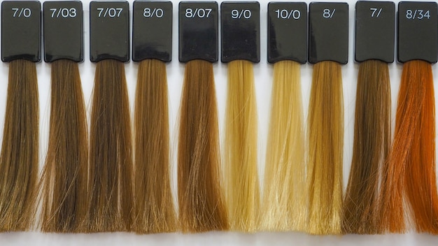 Cabelo colorido. paleta de cores. cor das tinturas de cabelo. seleção de uma tonalidade de tintura de cabelo.
