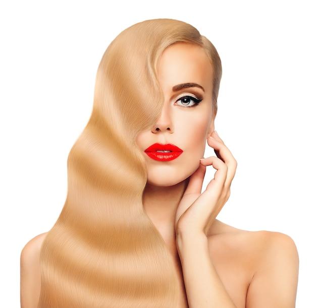 Cabelo loiro mulher rosto bonito cabelo comprido saudável