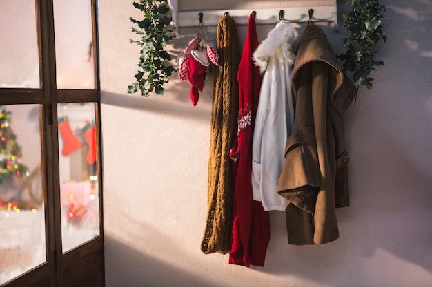 Cabide com pendurar roupas de inverno