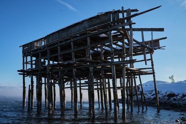 Cabides vintage para redes de pesca no mar do norte