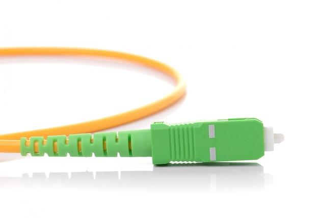 Cabo de fibra óptica isolado