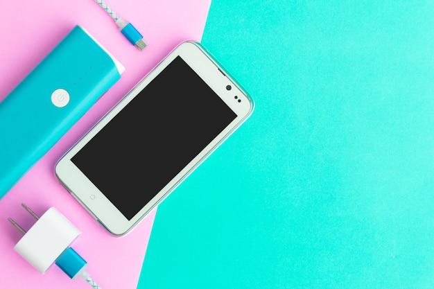 Cabos de carregamento usb para smartphone e tablet na vista superior