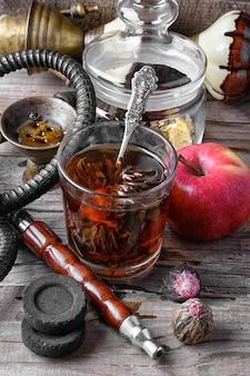 Cachimbo de água e chá