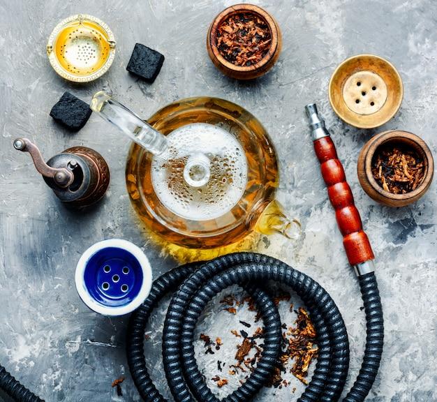 Cachimbo de água shisha com chá