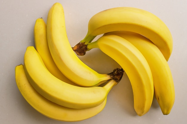 Cacho de bananas maduras