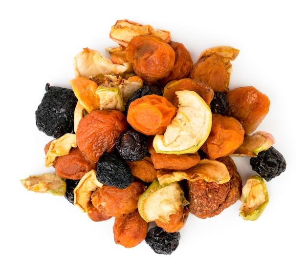 Cacho de frutas secas isoladas