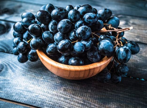 Cacho de uvas pretas