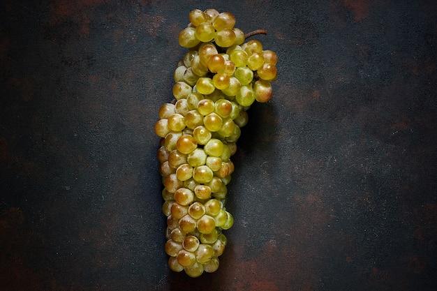 Cacho de uvas verdes, vista superior