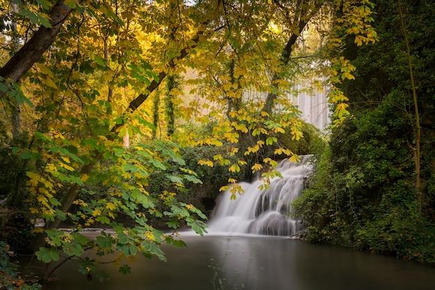 Cachoeira baño de diana, monasterio de piedra, zaragoza