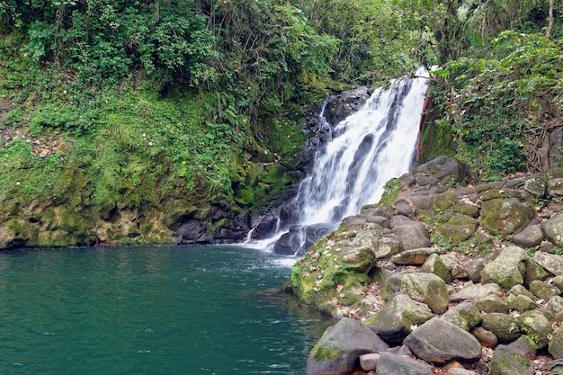 Cachoeira cascada de texolo em xico, méxico
