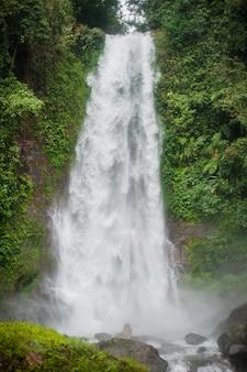 Cachoeira de bali, cachoeira de sekumpul, bali