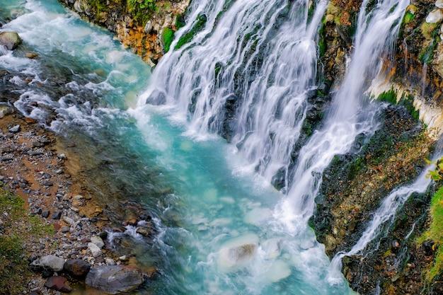 Cachoeira de shirahige no outono e outono temporada, hokkaido, japão