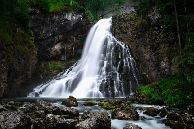 Cachoeira gollinger em golling an der salzach, perto de salzburgo