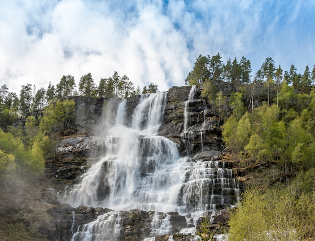 Cachoeira na noruega