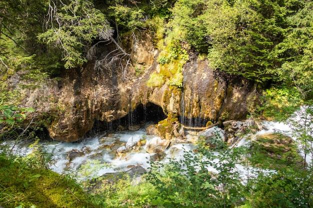Cachoeira no parque nacional vanoise