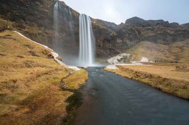 Cachoeira seljalandsfoss