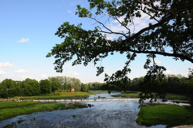 Cachoeira ventas rumba no rio venta. kuldiga, letônia.