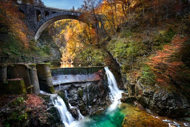 Cachoeira vintgar e canyon, eslovênia