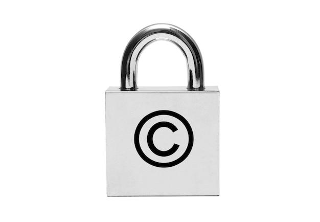 Cadeado de prata com símbolo de direitos autorais