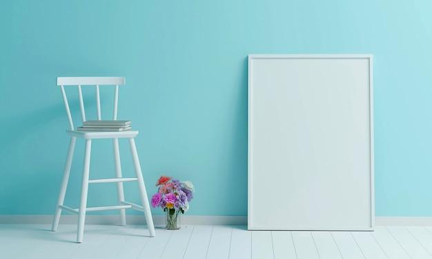 Cadeira branca com moldura branca grande e flor colorida na sala de cor azul claro. 3d render.