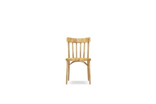 Cadeira de madeira isolada em fundo branco