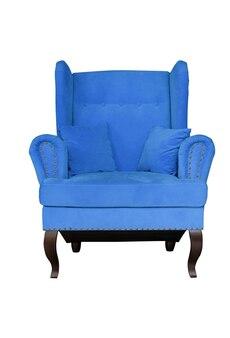 Cadeira macia azul com almofadas nas pernas de madeira isoladas em branco
