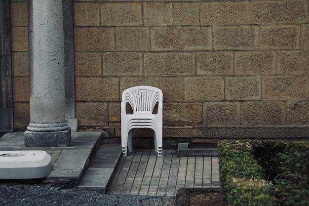 Cadeira na rua