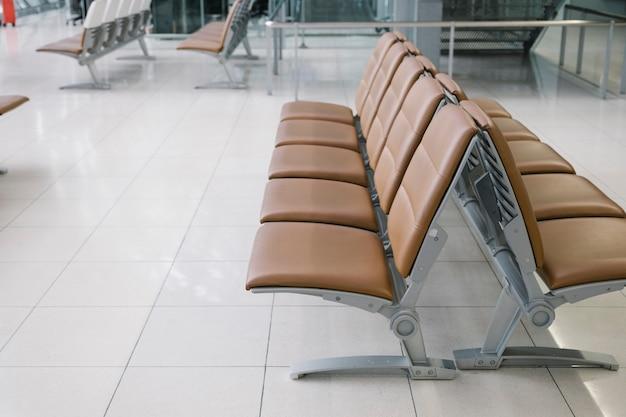 Cadeira no aeroporto