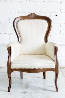 Cadeira retro branca