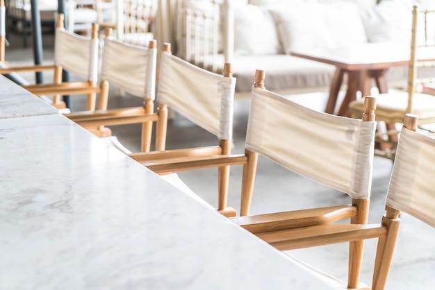 Cadeira vazia no restaurante