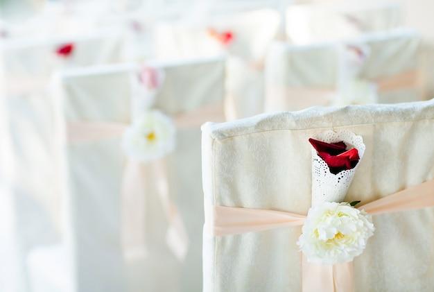 Cadeiras de cerimônia de casamento