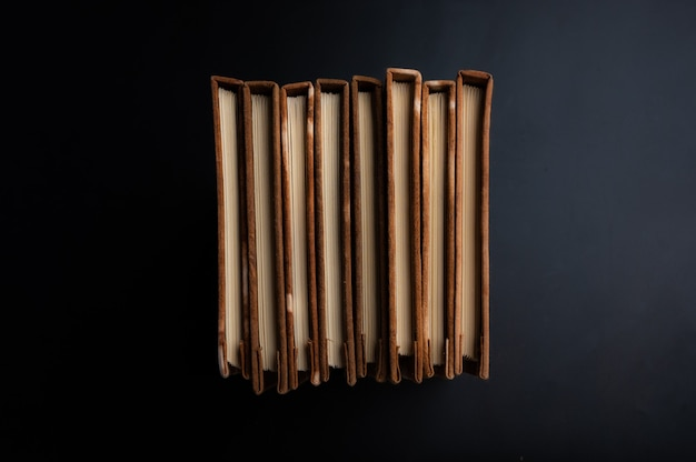 Caderno artesanal, feito de tecido tingido natural e papel artesanal