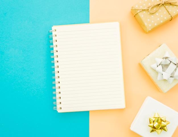 Caderno com caixa de presente de aniversário