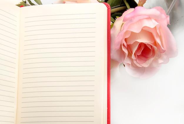 Caderno com flores