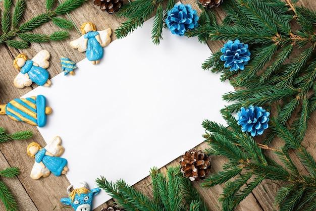 Caderno de notas sobre a mesa de natal.