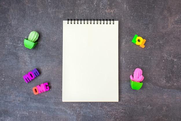 Caderno em branco da juventude hipster legal em branco