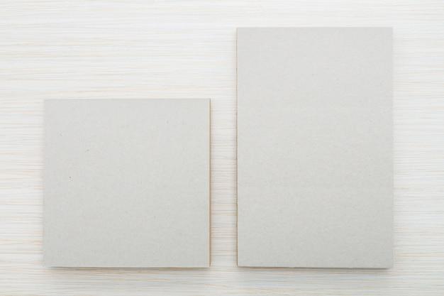 Caderno em branco simulado acima
