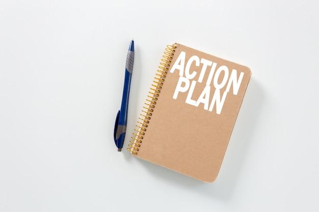 Caderno em um fundo branco