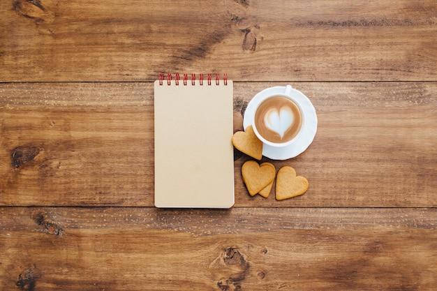 Caderno escolar com café da manhã