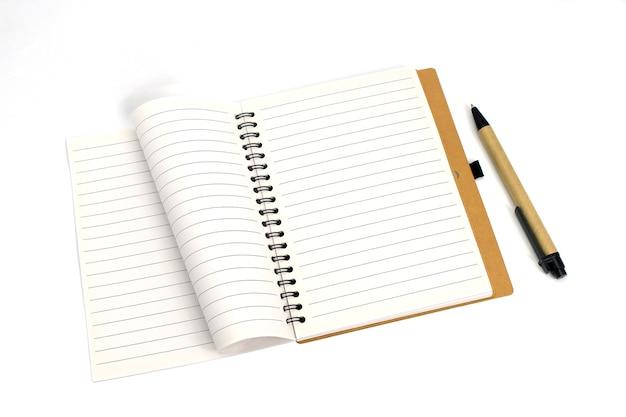 Caderno espiral com folhas pautadas