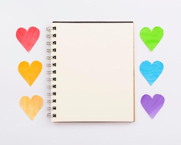 Caderno feliz do dia do orgulho mundial