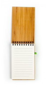 Caderno isolado no branco