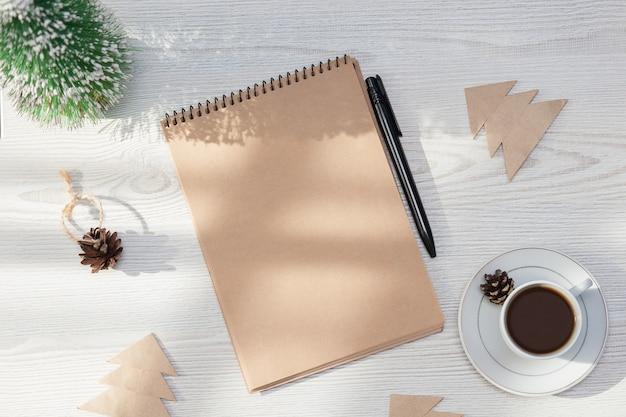 Caderno vazio para desejos, objetivos ou lista de tarefas.