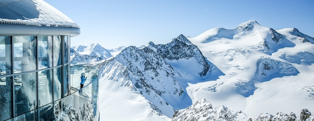 Café 3440 na geleira de pitztal. austrias café mais alto no pico da montanha em tirol.