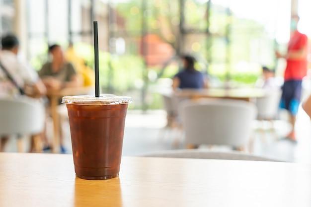 Café americano gelado em café restaurante
