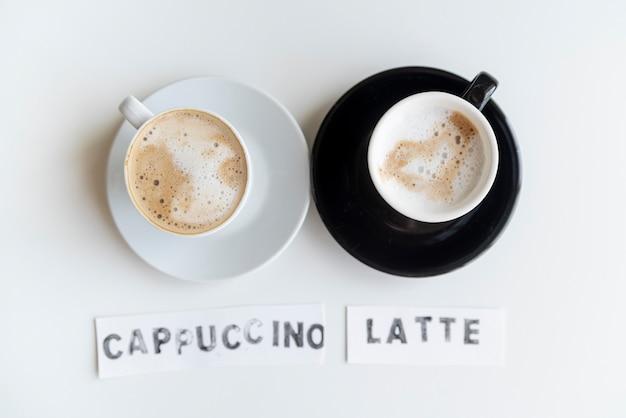 Café com leite cappuccino preto e branco